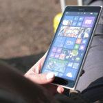 left-hand-smartphone